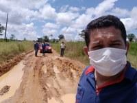 Vereadores fiscalizam estradas rurais.